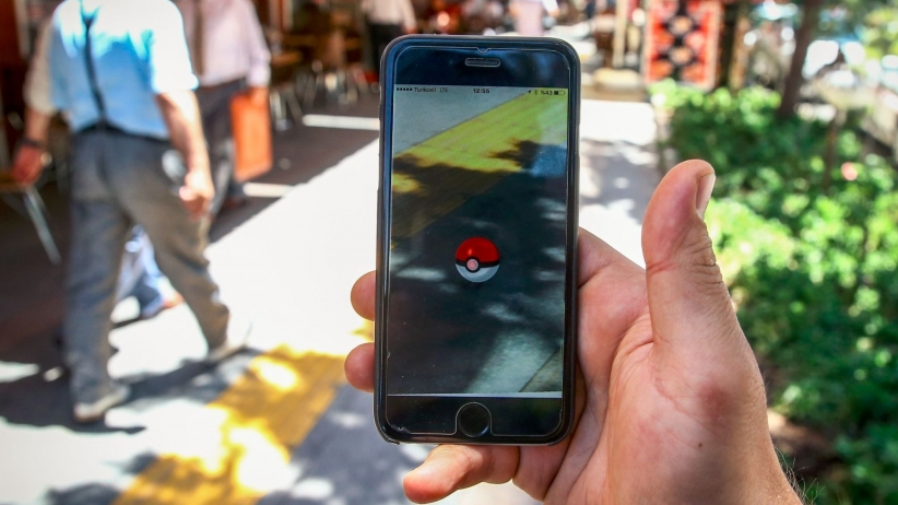 Playing Pokémon GO in the Neighborhoods